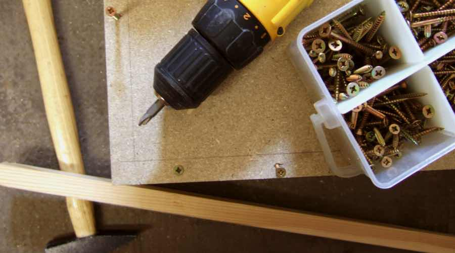 regalwand selber bauen bcherregal selber bauen anleitung. Black Bedroom Furniture Sets. Home Design Ideas